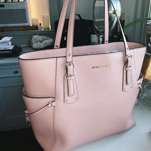 Michael Kors Leather Voyager Bag in Fawn 💕